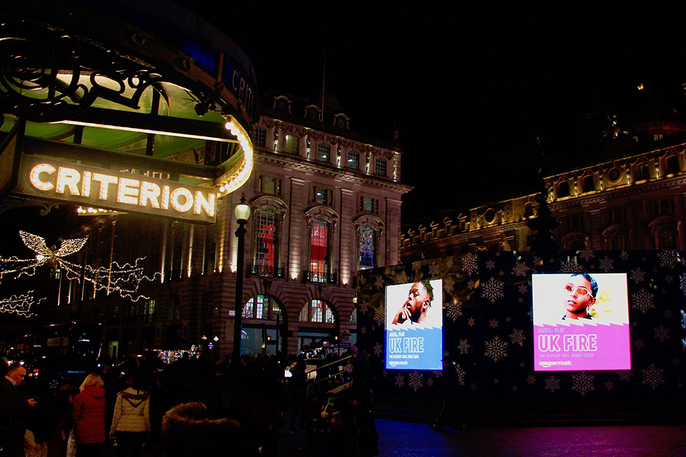 DOOH_Bunbury_Creative_Amazon_UK_Fire_ErosNight3